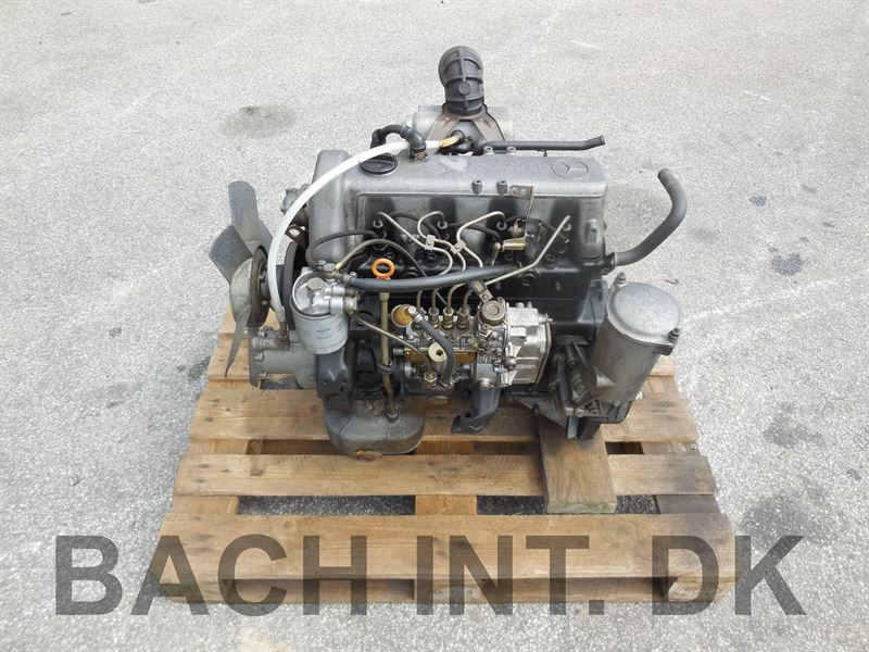 Engine (Mercedes OM 616.9)